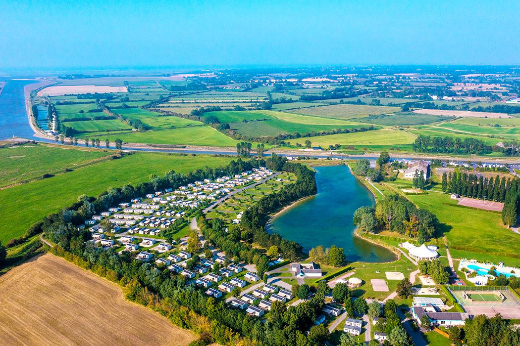 Camping le fanal 4 calvados for Piscine couverte normandie