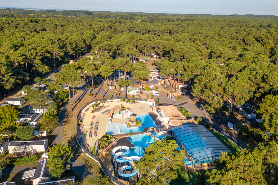 Camping palmyre loisirs les mathes 17 for Nudiste piscine
