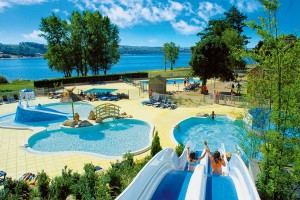 Camping midi pyr n es et location mobil home campings tohapi for Camping pyrenees atlantique avec piscine