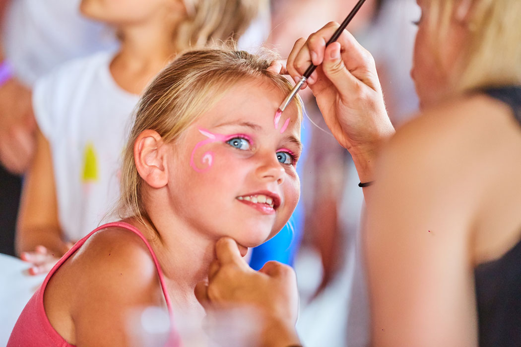 Atelier maquillage, animation enfants camping